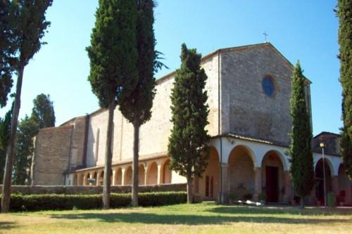 Basilica de San Lucchese em Poggibonsi, Toscana.